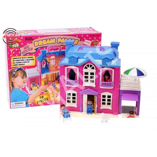 Domček pre bábiky s otváracou garážou.