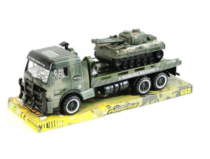 Nákladné vojenské auto s tankom