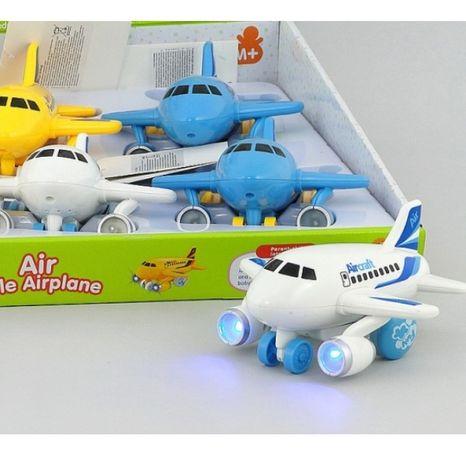 Dopravné lietadlo so svetlom a zvukom