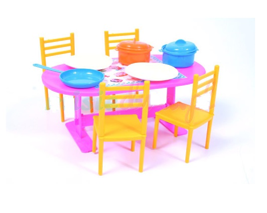 Stôl pre bábiky