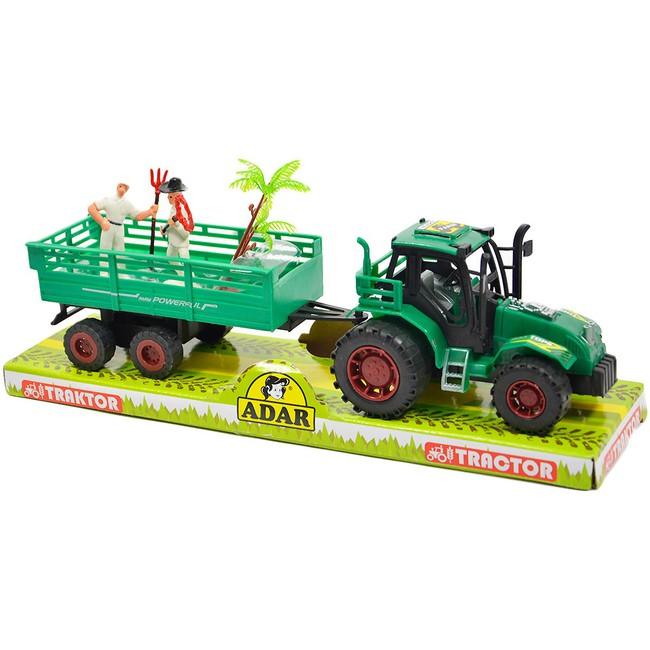 Traktor s vlečkou a farmármi